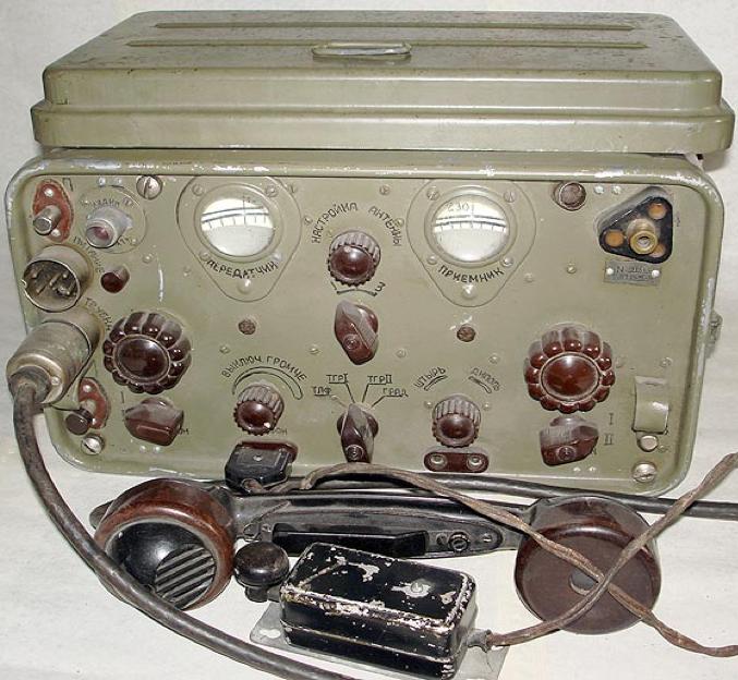 Радиостанция РБ-М-5 образца 1943 г. (пятиватная)