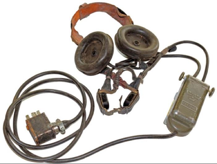 Наушники и микрофон радиостанции