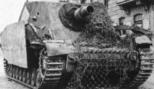 САУ Sturmpanzer-IV «Brummbär»