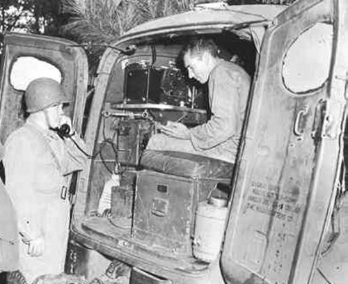 Радиостанция SCR-299, установленная в фургоне K-51