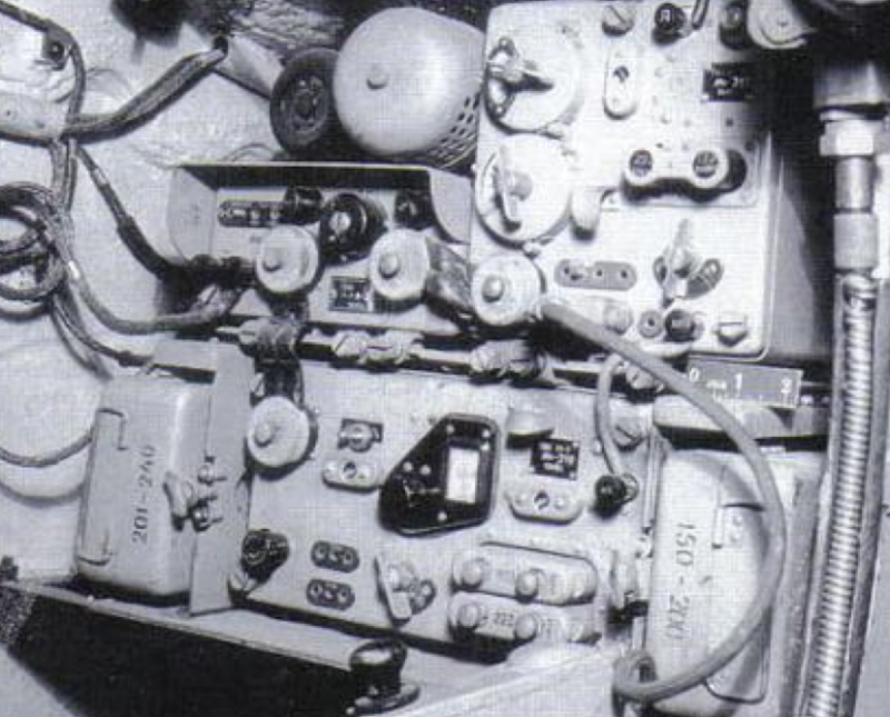 Радиостанция КРСТБ (Р-10) в танке КВ-1