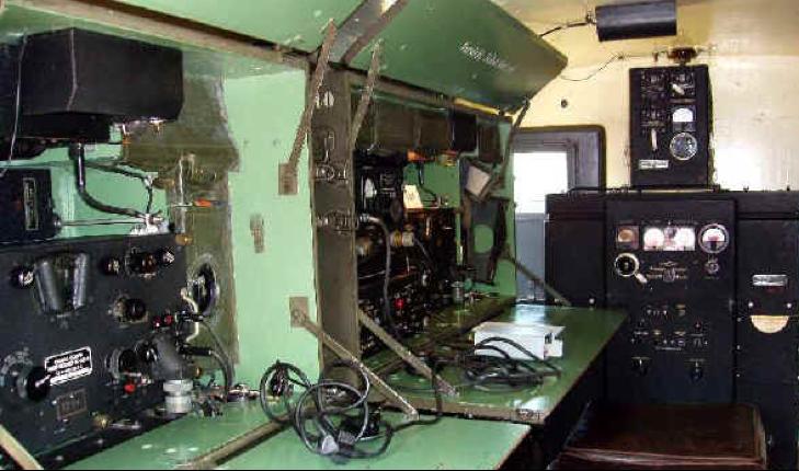 Размещения радиостанции SCR-399 в фургоне HO-l7