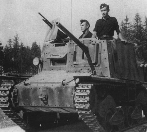Противотанковая САУ Semovente Da 47/32 (Scafo L40)