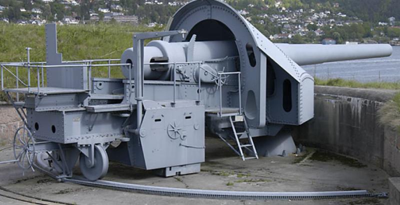 Береговое орудие 28-cm SK L/40 на открытой позиции