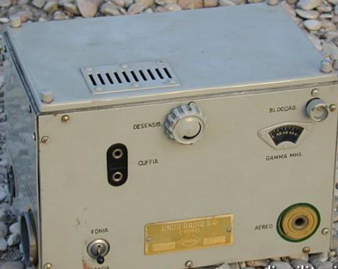 Авиационная радиостанция B. 30 mT