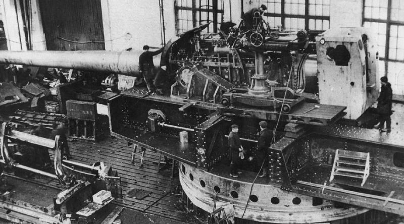 Пушка Б-37 в установке МП-10 на Новокраматорском заводе
