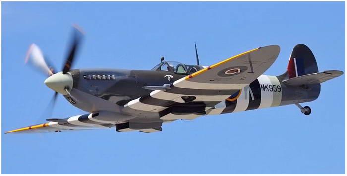 Postma Thijs. Истребители Spitfire.