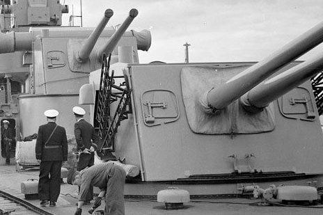 Корабельное орудие 15,2-cm M/42