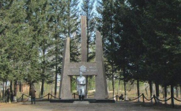 с. Великокнязевка Белогорского р-на. Памятник погибшим односельчанам