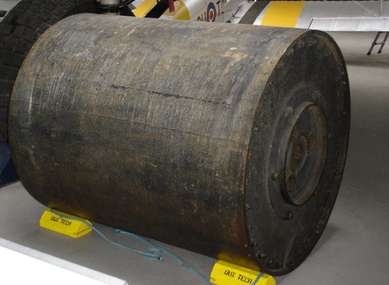 Макет «прыгающей» бомбы в военном музее Даксфорда