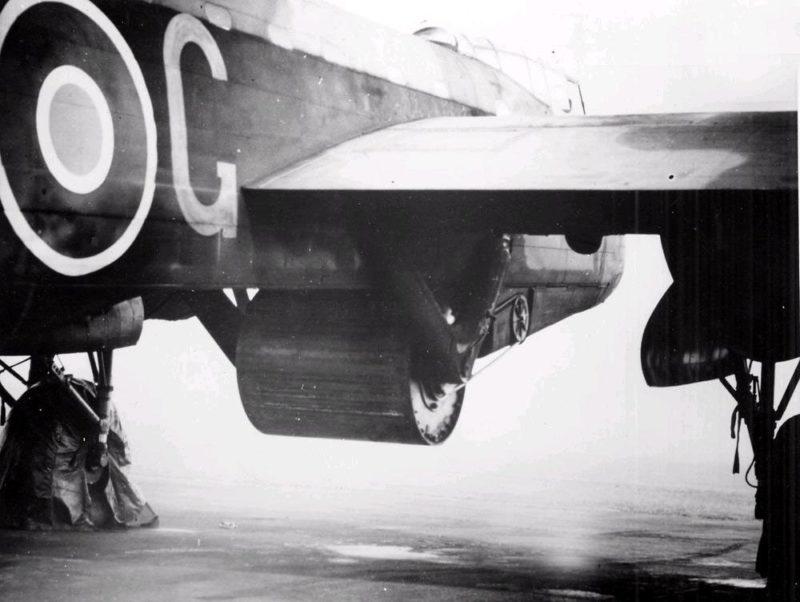 Бомба под «Avro Lancaster»