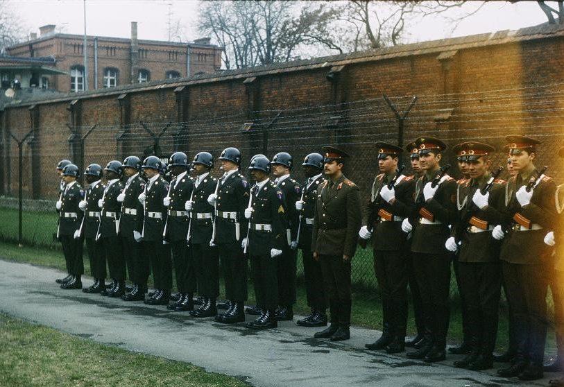 Караулы от Вооружённых Сил США и Советского Союза. 1981 год