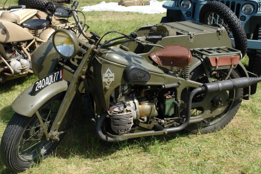 Мотоцикл Gnome Et Rhone 800 AХ с коляской