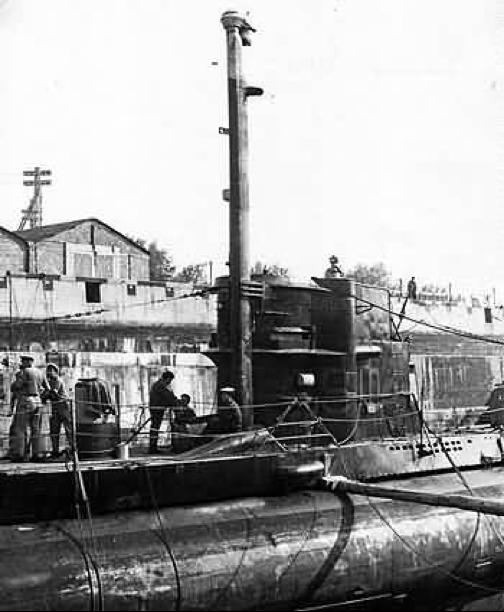 Подводная лодка «U-766» со шноркелем