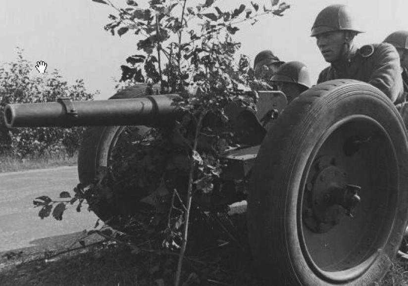 57-мм пехотная пушка  Stuk van 6-veld. С пневматическим ходом