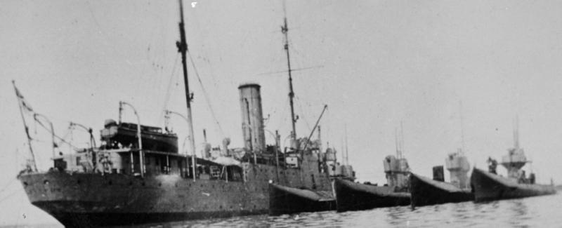 Плавбаза подводных лодок «Platypus»