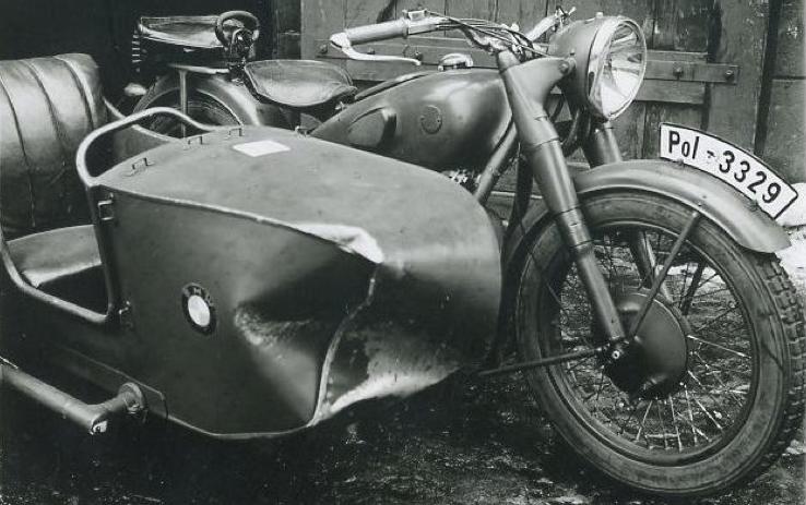 Мотоцикл BMW R-61 с коляской