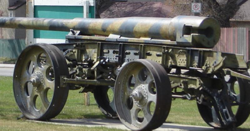 Cтвол пушки 15-cm K-16 на тележке для перевозки