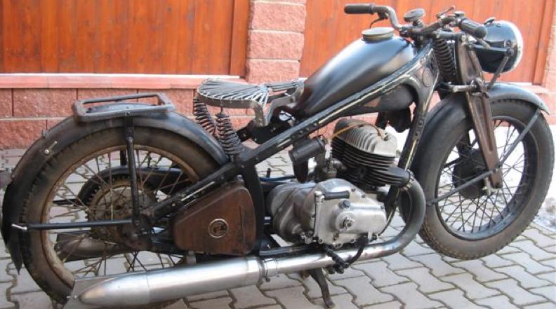 Мотоцикл CZ-500