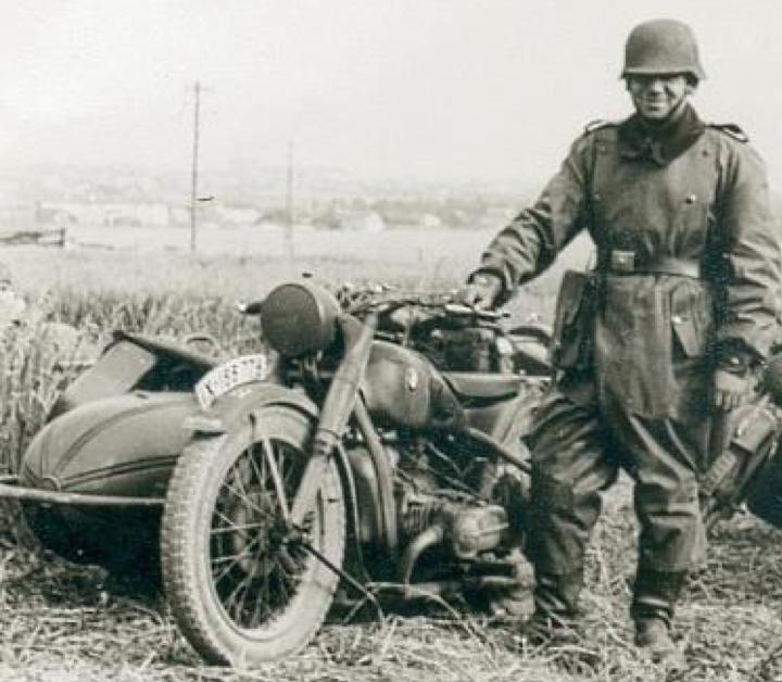 Мотоцикл BMW R-66 с коляской