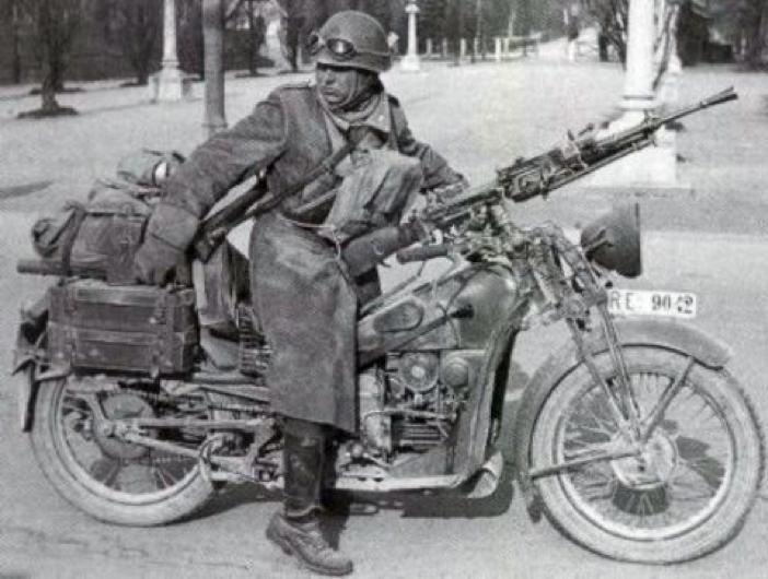 Мотоцикл с пулеметом Breda Mod. 30