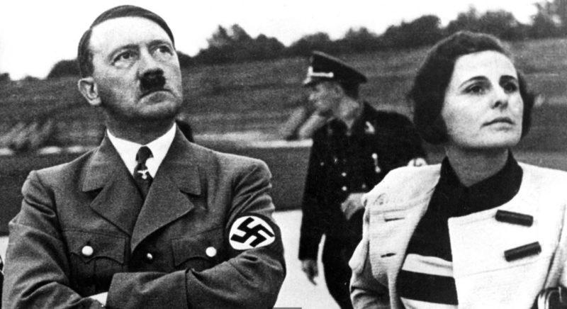 Адольф Гитлер и Лени Рифеншталь. 1934 г