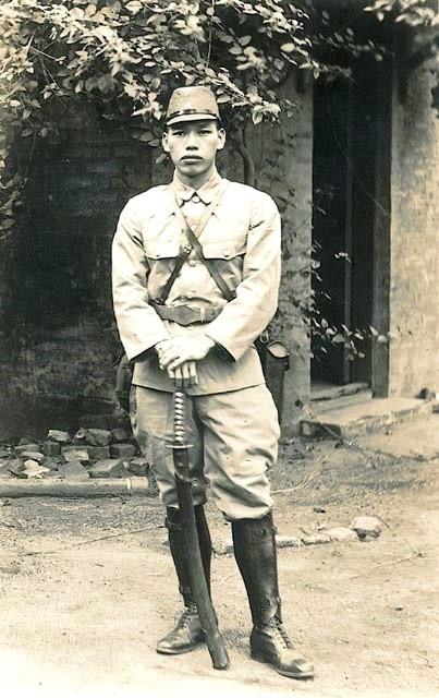 Солдат первого класса японской императорской армии Тэруо Накамура
