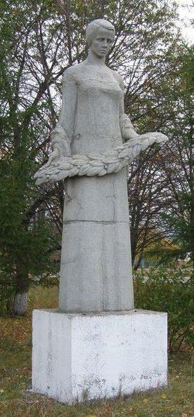 с. Пески Двуречанского р-на. Памятный знак погибшим односельчанам