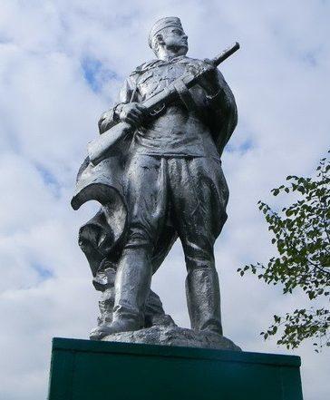 с. Гениевка Змиевского р-на. Памятник на братской могиле