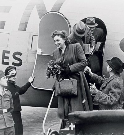 Сара приземляется в Берлине. 1941 г