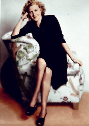 Раскрашенный портрет Евы Браун. Мюнхен. 1941 г.