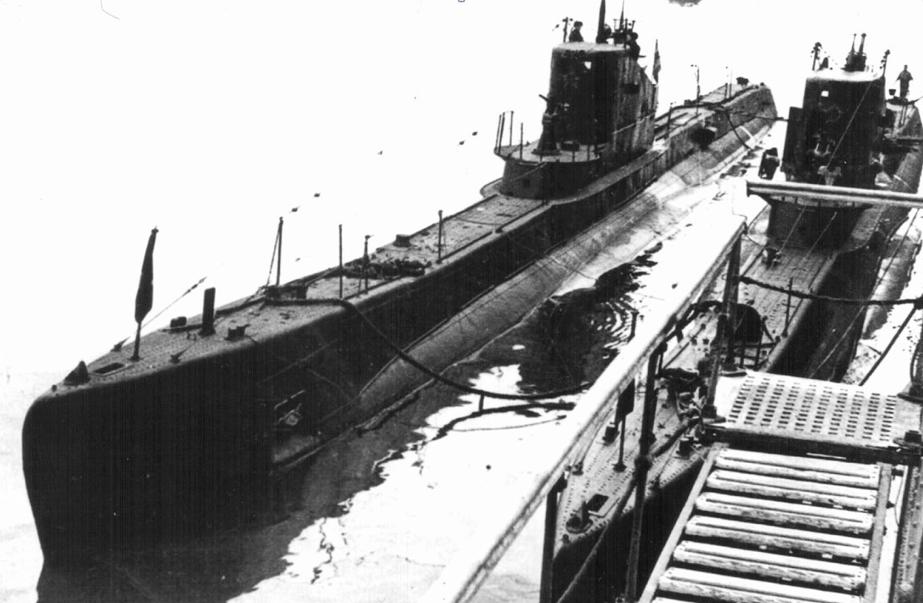 Подводная лодка «Щ-205» (Нерпа) и «Щ-207» (Касатка)