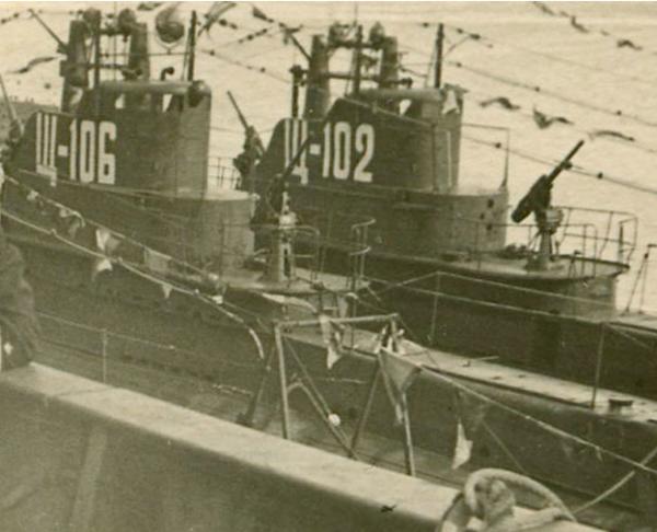 Подводная лодка «Щ-106» и «Щ-102»