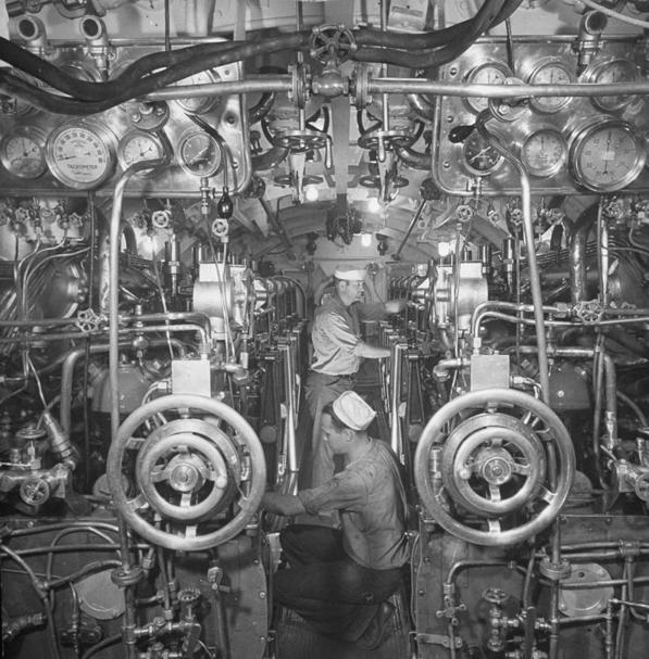Машинный отсек лодки «R-14» (SS-91)