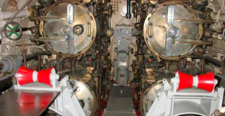 Торпедный отсек подводной лодки «Batfish» (SS-310)