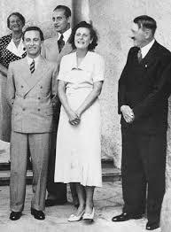 Адольф Гитлер и Лени Рифеншталь. 1934г.
