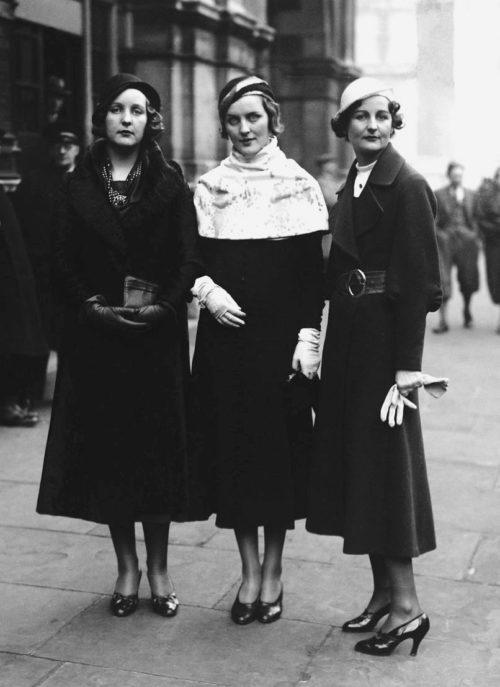 Юнити Митфорд со своими сестрами – Дианой и Нэнси. 1932 г.