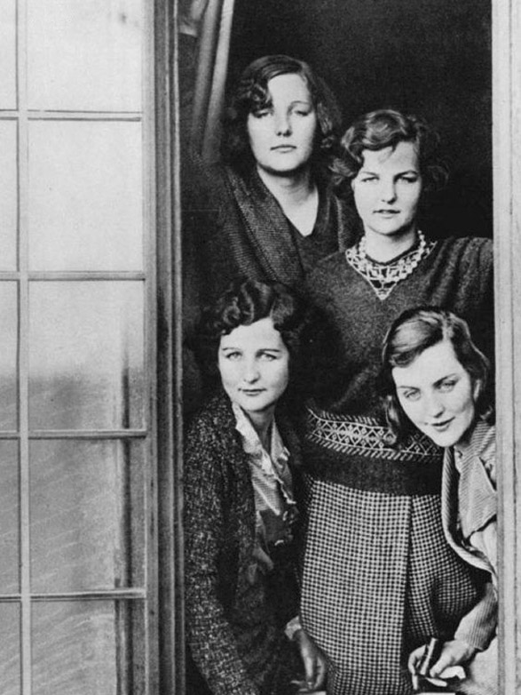 Сестры Митфорд. 1932 г.