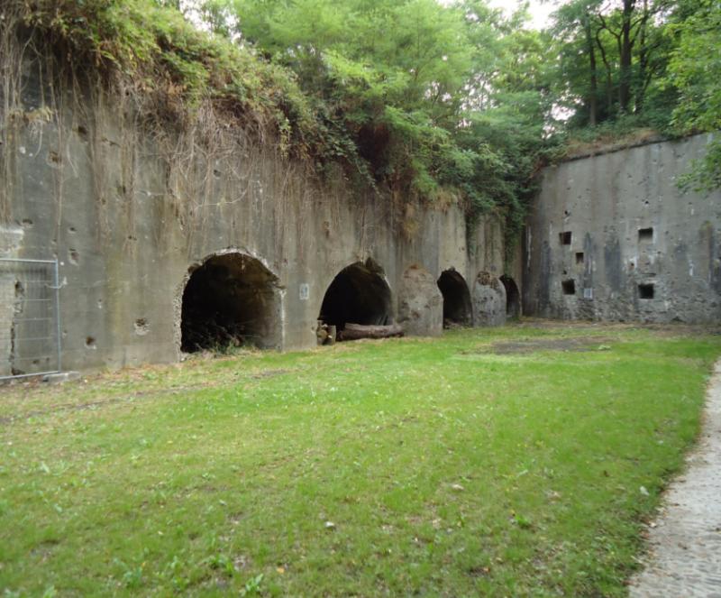 Двор форта.