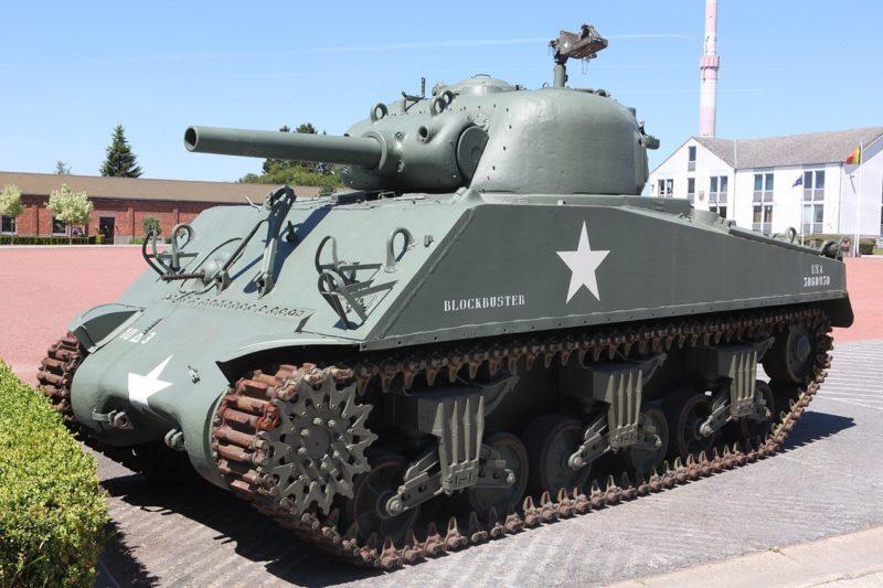 Танк М-4.