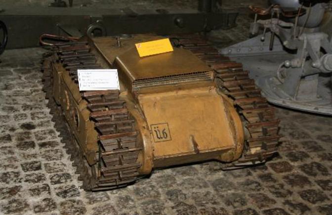 Немецкая самоходная мина «Голиаф».