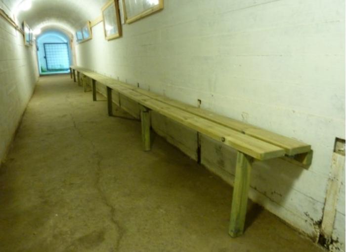 Тоннель бомбоубежища.