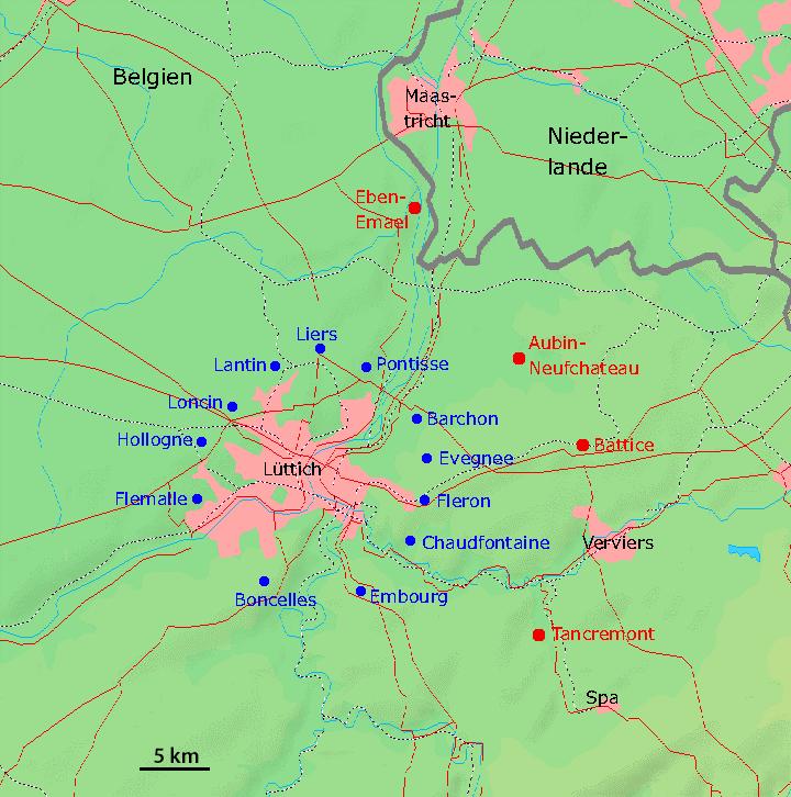 Карта укреплений Льежа. Синим цветом, обозначены форты, построенные в 1888-1891 гг. Красным - построенные в 1930-х годах.