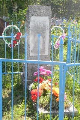 п. Палатки Нововодолажского р-на. Братская могила мирных жителей на сельском кладбище