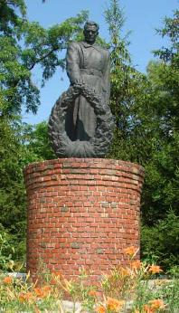 с. Смородьковка Купянского р-на. Памятник установлен на братской могиле, в которой похоронено 114 воинов, в т.ч. и Герой Советского Союза - Селедцов И.Ф.