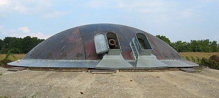 Башня спаренных 120-мм орудий с круговым сектором обстрела