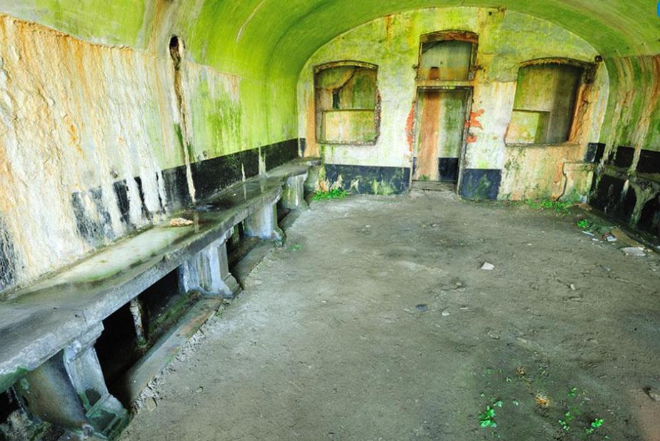 Одно из помещений форта.