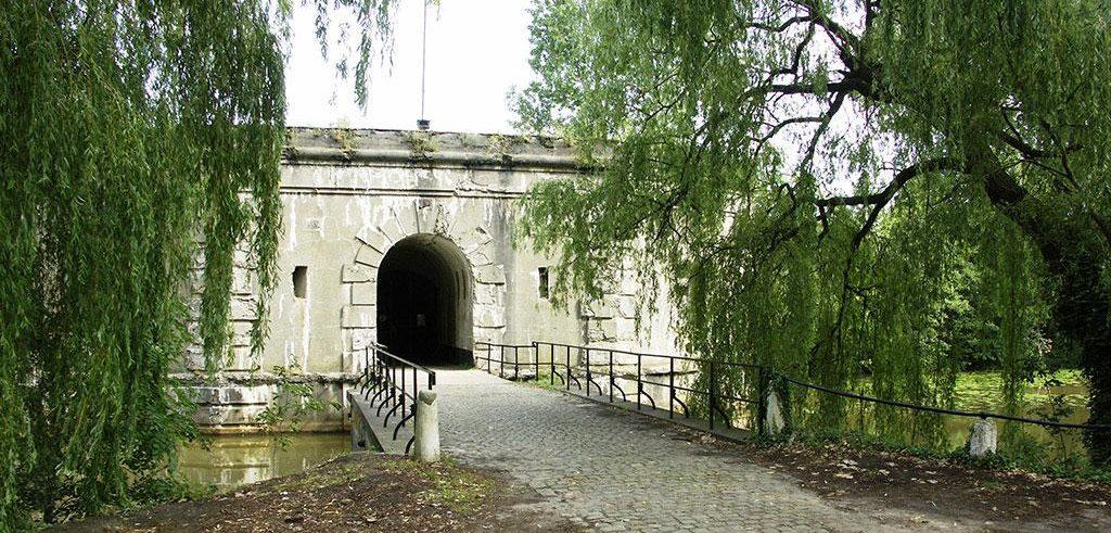 Главный вход в форт.