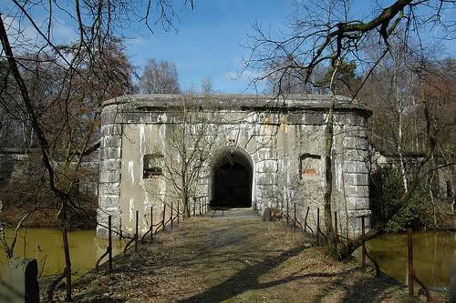 Главный вход на территорию форта.