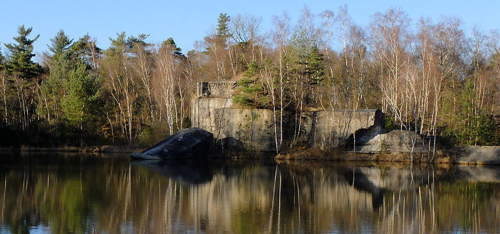 Вход в крепость с разрушенным левым крылом.